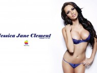 Jessica Jane Clement / Celebrities Female