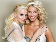 Ashlee and Jessical Simpson / Jessica Simpson