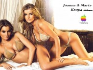 Joanna & Marta Krupa / Celebrities Female