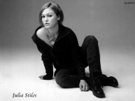 Julia Stiles / Celebrities Female