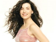 Download Julianna Margulies / Celebrities Female