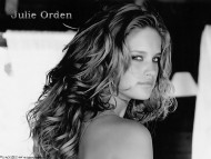Julie Orden / Celebrities Female