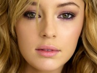 face / Keeley Hazell