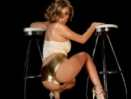 Download gold shorts / Keeley Hazell
