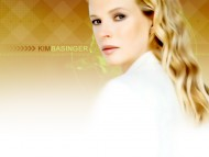 Kim Basinger / Celebrities Female