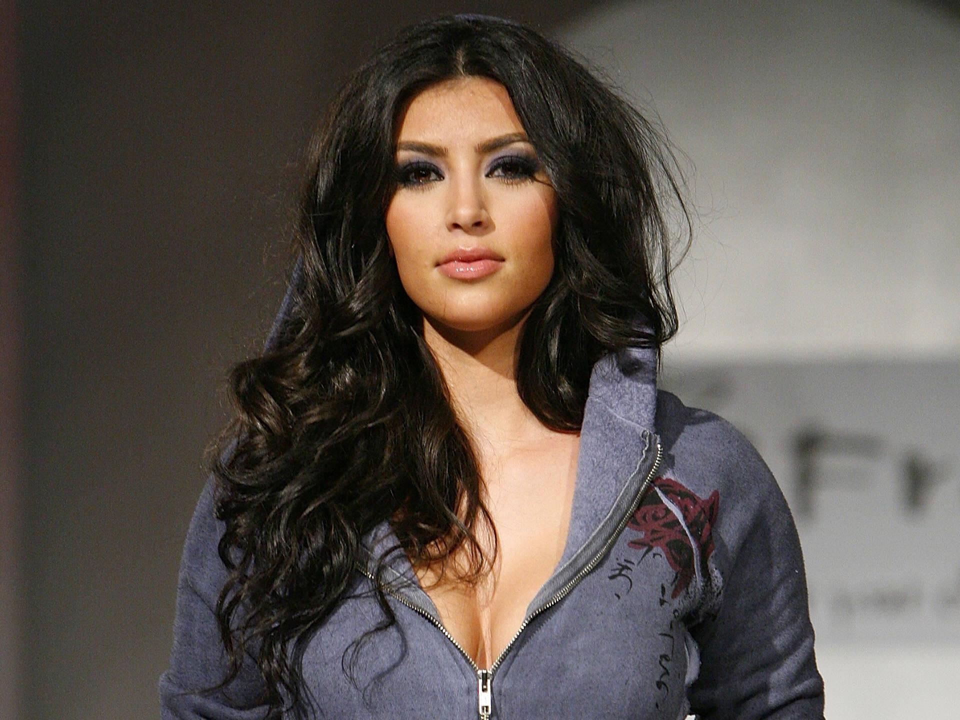 Kim Kardashian wallpaper 17