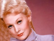 Kim Novak / Celebrities Female