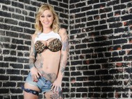 Kleio Valentien / Celebrities Female