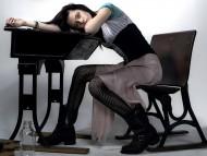 sit / Kristen Stewart