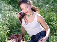 Kristin Kreuk / Celebrities Female