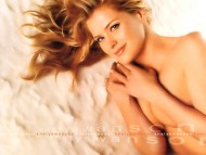 Kristy Swanson / Celebrities Female