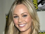 Download Laura Vandervoort / Celebrities Female