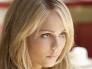 Laura Vandervoort / High quality Celebrities Female