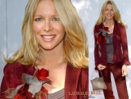 Lauralee Bell / Celebrities Female
