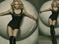 holding sphere / Madonna
