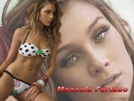 Bikini & face / Manoela Furtado