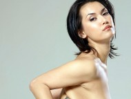 http://hollywoodbollywoodactress-fashion.blogspot.com/2012/06/maria-ozawa.html