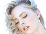 Download Melissa George / Celebrities Female