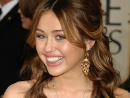 Miley Cyrus / Celebrities Female