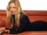 Mira Sorvino / Celebrities Female
