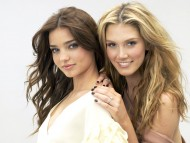 Miranda and Delta Goodrem / Miranda Kerr