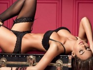 Natalia Velez / Celebrities Female