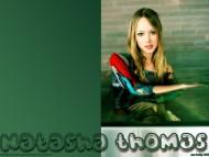 Natasha Thomas / Celebrities Female