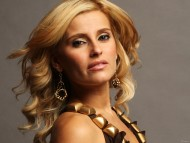 Nelly Furtado / Celebrities Female