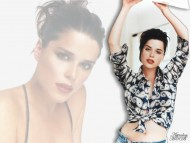 Neve Campbell / Celebrities Female