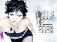 Nicole DeBoer / Celebrities Female