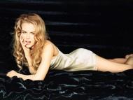 black / Nicole Kidman
