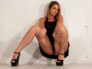 Nikki Sims / Celebrities Female