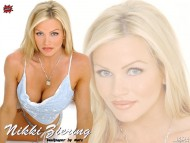 Nikki Ziering / Celebrities Female