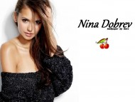 Nina Dobrev / Celebrities Female