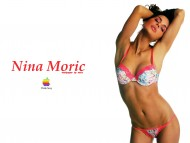Nina Moric / Celebrities Female