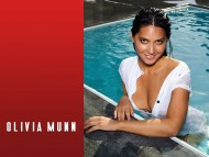 Olivia Munn / Celebrities Female