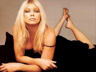 Peta Wilson / Celebrities Female