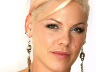 Download Pink / Celebrities Female