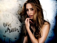 Piper Perabo / Celebrities Female