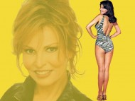 Raquel Welch / Celebrities Female