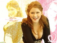Renee Olstead / Celebrities Female