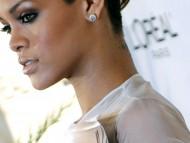 Rihanna / Celebrities Female