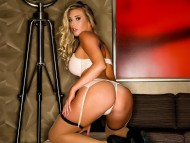 Samantha Saint / Celebrities Female