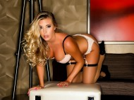 Download Samantha Saint / Celebrities Female