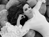 Black and White on Stones / Sandra Bullock