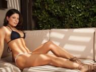 Download Sarah Clayton / Celebrities Female