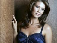 Sarah Lancaster / Celebrities Female
