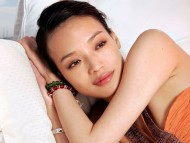 sleeping / Shu Qi
