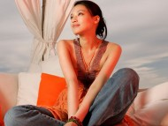 orange / Shu Qi