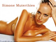 Simone Muterthies / Celebrities Female